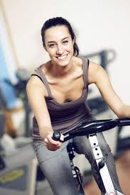girl doing spinning workout