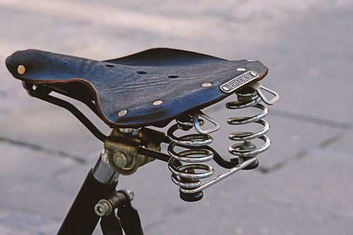 bike seat with spring
